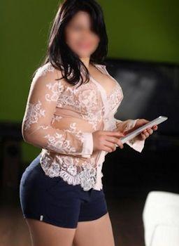 Lucia-600095042